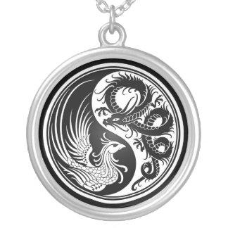 Dragon blanc et noir Phoenix Yin Yang Pendentif Rond