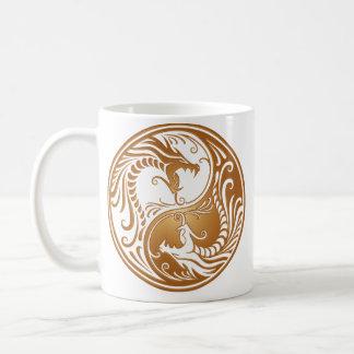 Dragons de Yin Yang, bruns Mug