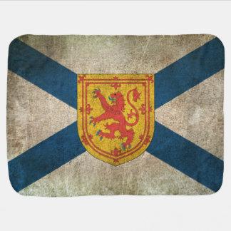 Drapeau affligé par cru de la Nouvelle-Écosse Couvertures Pour Bébé