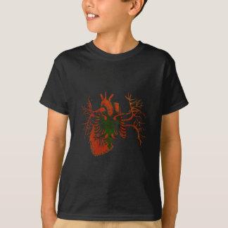 Drapeau albanais au vrai coeur t-shirt