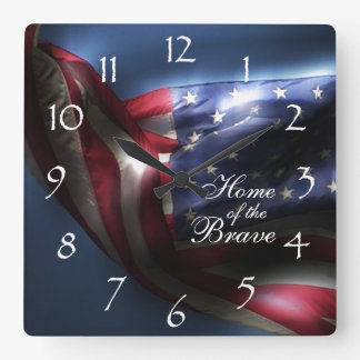 Drapeau américain/à la maison rougeoyants du horloge carrée