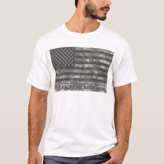 Drapeau américain camouflé avec des têtes de cerfs t-shirt