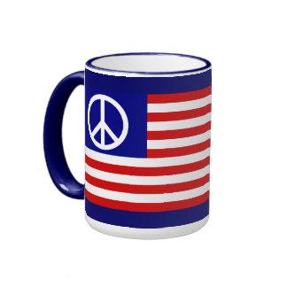 Drapeau américain et signe de paix mug ringer