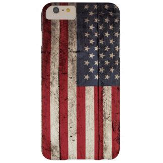 Drapeau américain sur le vieux grain en bois coque iPhone 6 plus barely there