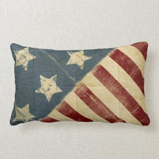 Drapeau américain vintage fait dans le carreau de oreiller