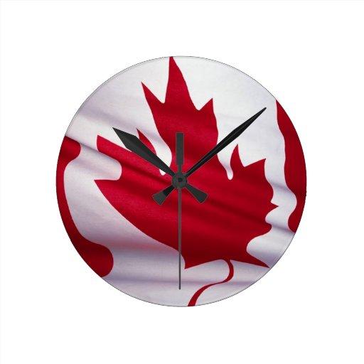 Drapeau canadien pendules