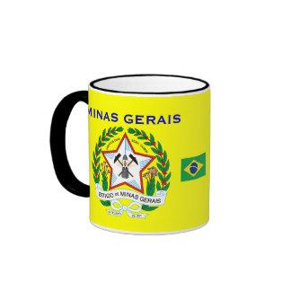 Drapeau de la Minas Gerais et tasse de crête