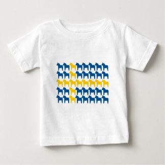 Drapeau de la Suède de cheval de Dala T-shirt Pour Bébé