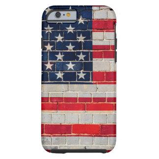 Drapeau de l'Amérique sur un mur de briques Coque Tough iPhone 6