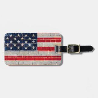 Drapeau de l'Amérique sur un mur de briques Étiquette À Bagage