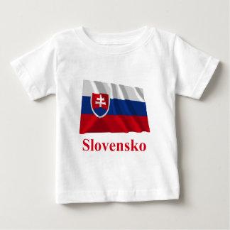 Drapeau de ondulation de la Slovaquie avec le nom T-shirt Pour Bébé
