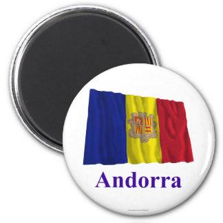 Drapeau de ondulation de l'Andorre avec le nom Aimant Pour Réfrigérateur