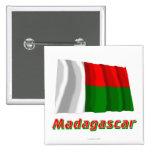 Drapeau de ondulation du Madagascar avec le nom Badges