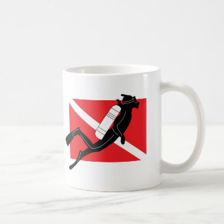 Drapeau de piqué de SCAPHANDRE avec le plongeur Mug
