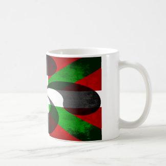 Drapeau et croix Basques Mug Blanc