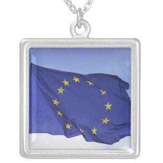 Drapeau européen rf) pendentif carré