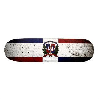 Drapeau grunge noir de la République Dominicaine Planches À Roulettes Customisées