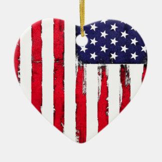 Drapeau grunge patriotique américain ornement cœur en céramique