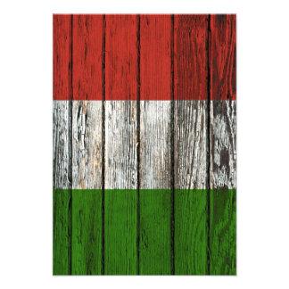 Drapeau italien avec l effet en bois approximatif invitation
