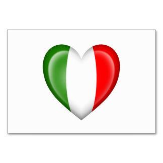 Drapeau italien de coeur sur le blanc