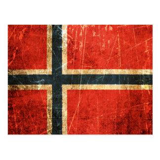Drapeau norvégien vintage rayé et porté carte postale