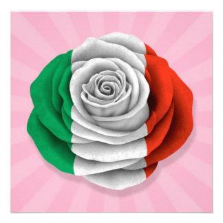 Drapeau rose d Italien sur le rose Invitations