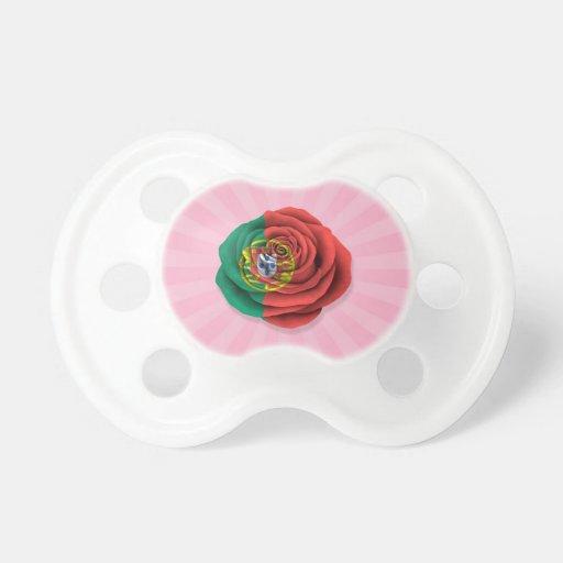 Drapeau rose de Portugais sur le rose Tétine Pour Bébé