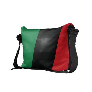 Drapeau rouge, noir et vert besaces