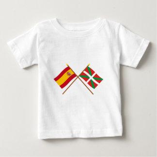 Drapeaux croisés de l'Espagne et du País Vasco T-shirt