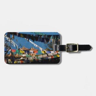 Drapeaux et chortens de prière étiquettes bagages