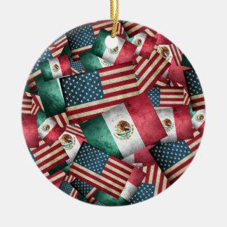 Drapeaux mexicains/américains affligés - les USA Ornement Rond En Céramique