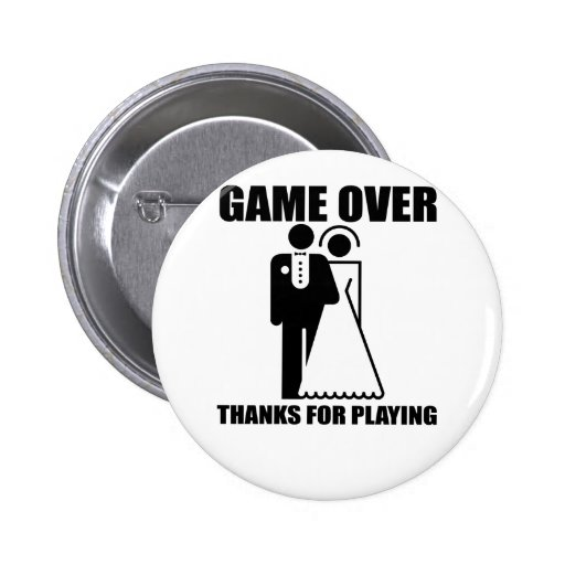 """Drôle, """"jeu au-dessus"""" d'épouser la conception badge avec épingle"""