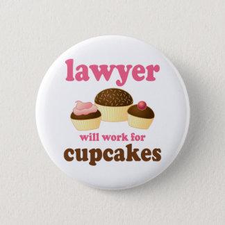 Drôle travaillera pour l'avocat de petits gâteaux badge