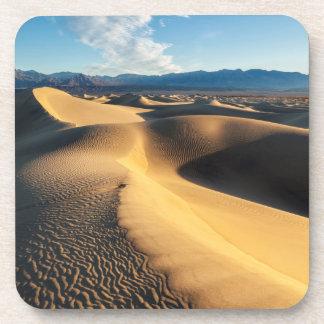 Dunes de sable dans Death Valley, CA Dessous-de-verre