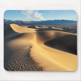 Dunes de sable dans Death Valley, CA Tapis De Souris