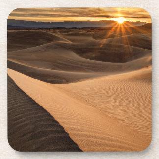 Dunes de sable d'or, Death Valley, CA Dessous-de-verre