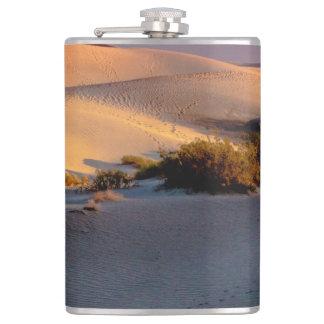 Dunes de sable plates de mesquite Death Valley Flasques