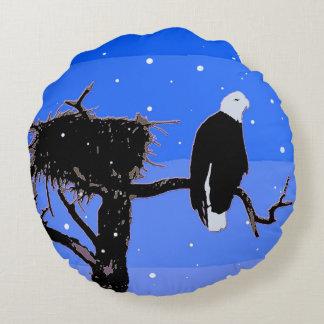 Eagle chauve en hiver coussins ronds
