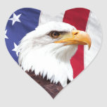 Eagle chauve et drapeau américain autocollant en cœur