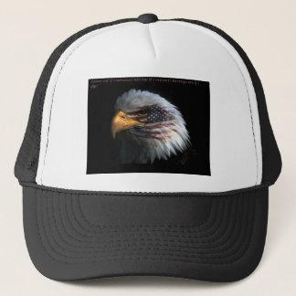 Eagle patriotique avec l'arrière - plan de drapeau casquette