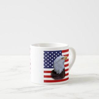 Eagle patriotique et drapeau des Etats-Unis Tasse Expresso