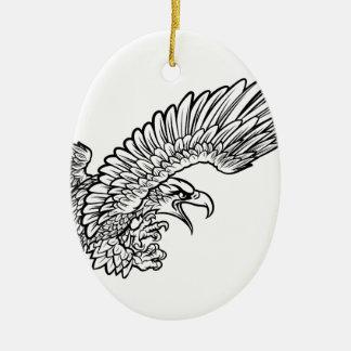 Eagle Swooping du côté Ornement Ovale En Céramique