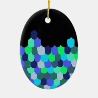 Échelles de bleu et de vert ornement ovale en céramique