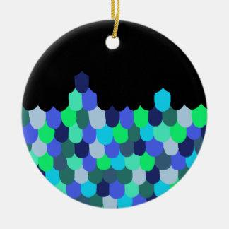 Échelles de bleu et de vert ornement rond en céramique
