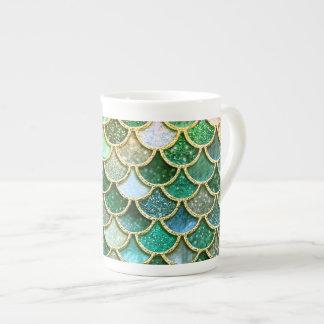 Échelles vertes de sirène d'or de scintillement de mug