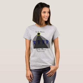 """Éclipse """"dans l'ombre de la lune """" t-shirt"""
