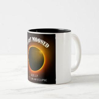 Éclipse solaire totale j'ai obtenu la tasse de