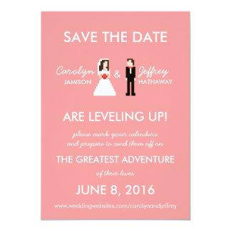 Économies à 8 bits roses ringardes de jeune mariée carton d'invitation  12,7 cm x 17,78 cm