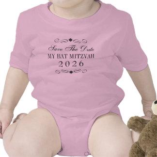 Économies de bat mitzvah le bébé de date t-shirt