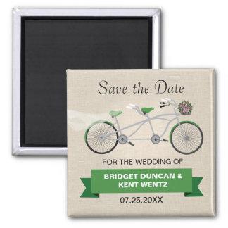 Économies vertes tandem de bicyclette la date magnet carré